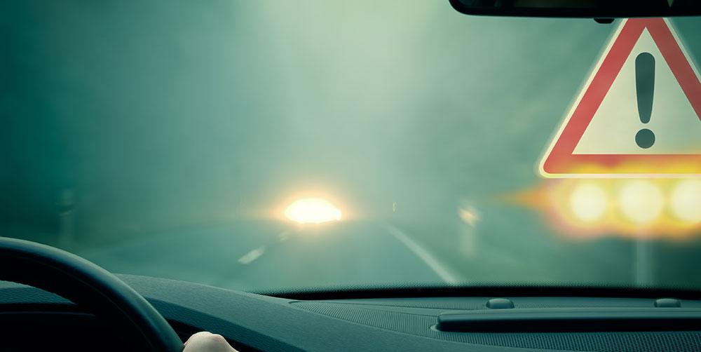 La volan noaptea pe ceata